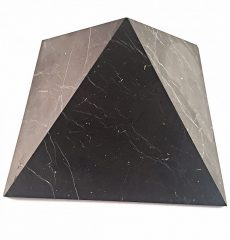 Unpolishe Shungite Pyramid 10cm